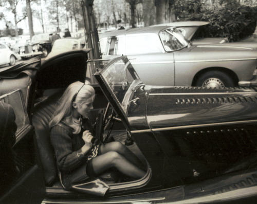 1967-belle-de-jour-black-and-white-car-catherine-deneuve-Favim_com-307578.jpg