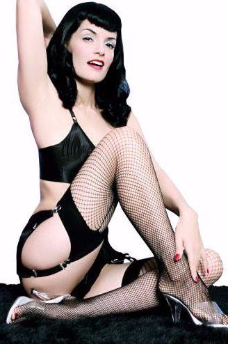 seamed-fishnet-stockings-404-p.jpg