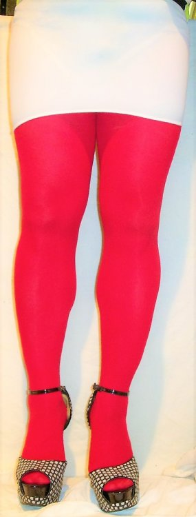 red tights &wht mini.JPG
